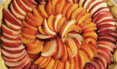 Tarte pêches, abricots, bar à salades, Villeurbanne